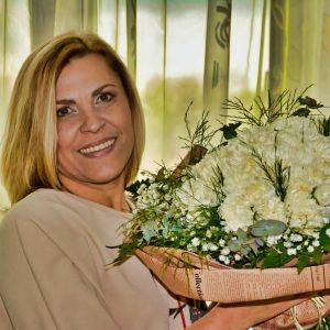 Floria Bezan, Ingenua