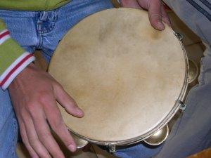 Vuva,  dairea, tamburină